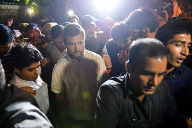 Top politicians, including Congress vice president Rahul Gandhi and Delhi CM Arvind Kejriwal, were detained by Delhi police when they made an attempt to visit the family of an ex-serviceman, Ram Kishan Grewal, who allegedly committed suicide over the OROP issue. Photo: AFP