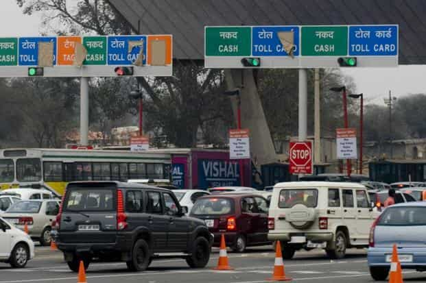 The toll plazas will have terminals that will verify vehicles on the basis of a device, which will automatically debit money from a prepaid account. This concept is based on the US and Canada model. Photo: Ramesh Pathania/Mint