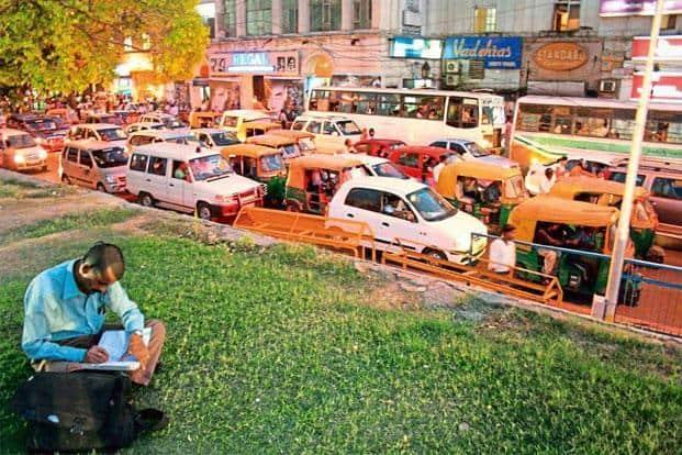 Traffic next to the park, above the Palika Bazar parking. Photo: Mayank Austen Soofi.