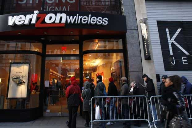 Verizon and Charter would bring together thousands of miles of fiber-optic Internet capacity at a time of soaring demand for faster broadband. Photo: Reuters