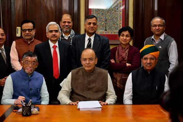 Union finance minister Arun Jaitley (centre) with his colleagues at North Block, New Delhi, a day ahead of Budget 2017. Photo: Pradeep Gaur/Mint