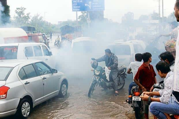 Concerns over vehicular pollution prompted the government last year to proclaim that India will move up to the toughest automobile emission standards of BS-VI by 2020, skipping an intermediate level. Photo: Hindustan Times
