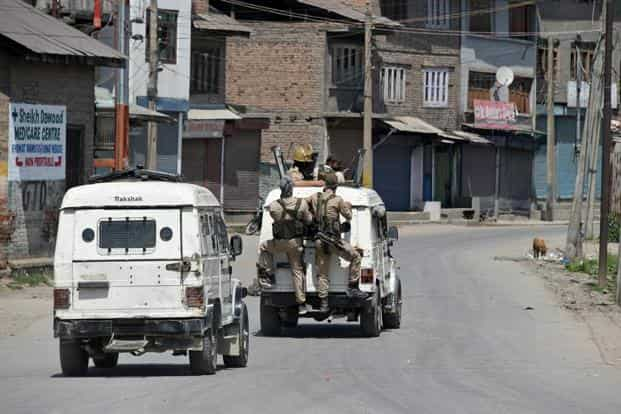 The main recruiters for the youths were Hizbul Mujahideen and Lashker-e-Taiba while other Pakistan-based groups like Jaish-e-Mohammed were using them as guides. Photo: PTI