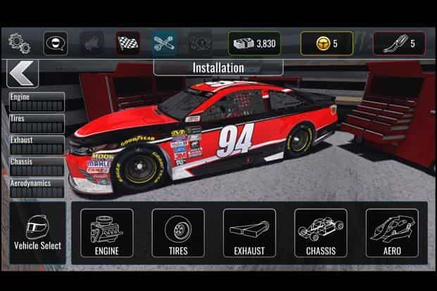Nascar heat mobile is a unique racing game, but needs better graphics.