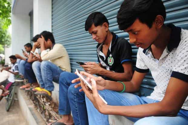 Also, 80% of all web traffic in India emanates from the mobile, a proportion that is the second highest in the world after Nigeria. Photo: Indranil Bhoumik/Mint