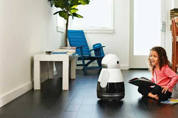 Kuri robot can learn the faces and voices of different family members, has directional intelligence, knows which room belongs to whom, and can even wake you up in the morning.