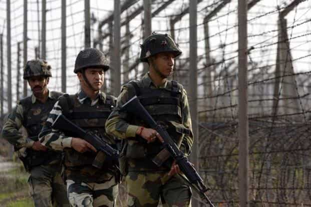 An Indian Army jawan and his wife were killed and four persons injured when the Pakistan Army violated ceasefire along the LoC in Poonch. Photo: HT