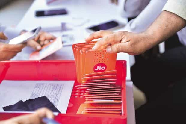 Reliance Jio's new plan of Rs399 increases the Arpu to Rs124, which—though still the least—is now comparable to Airtel (Rs158), Vodafone (Rs142) and Idea (Rs142). Photo: Aniruddha Chowdhury/Mint