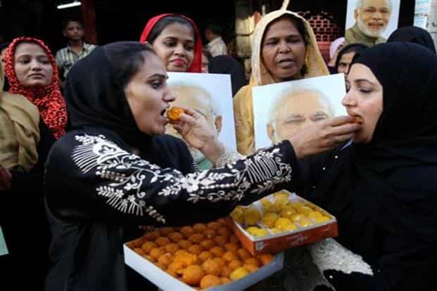 Muslims women celebrate the Supreme Court's decision on triple talaq in Mumbai on Tuesday. Photo: PTI