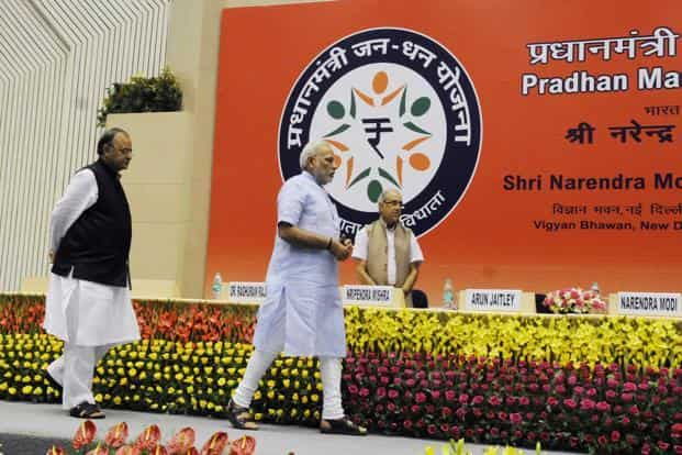 A file photo of Prime Minister Narendra Modi with finance minister Arun Jaitley at the launch of Pradhan Mantri Jan Dhan Yojana. Photo: HT