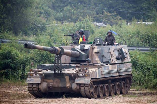 A South Korea army tank participates in a military exercise in the face of North Korea readying to launch another ballistic missile, near the border in Paju, South Korea, on Wednesday. Photo: Bloomberg