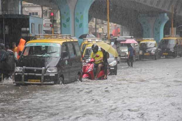 Heavy Rains In Mumbai Bmc On Alert