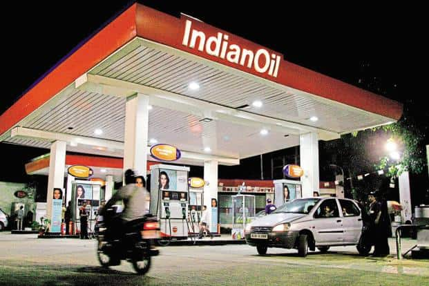 Apart from setting up charging stations for electric vehicles at its petrol pumps, Indian Oil also looking at opportunities for manufacturing and retailing lithium-ion batteries. Photo: Bloomberg