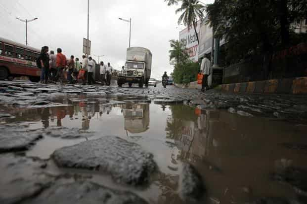 RoadBounce rates each 100 metres road stretch as poor, average or good based on the road condition. Photo: PTI