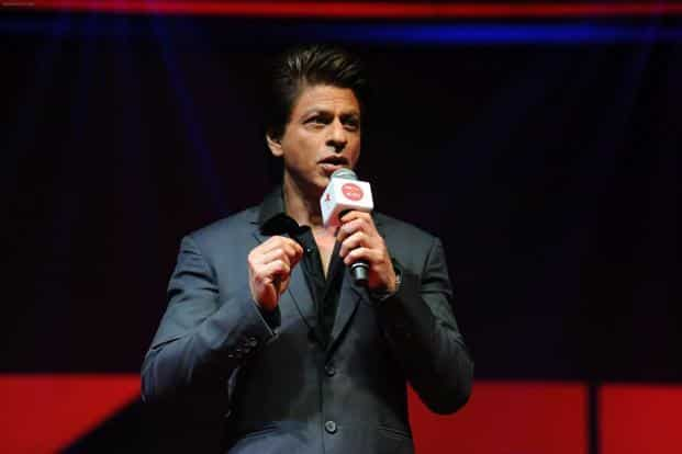 Shah Rukh Khan introduces the topic and the speaker, and takes his place in the midst of the audience, letting the TED format crisply do its thing.