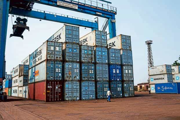 India's exports grew at an average pace of 12% in the April-November 2017 period from a year earlier, slower than those of Vietnam and Indonesia, which grew at 24% and 16%, respectively. Photo:
