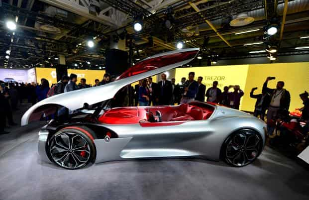 Renault India showcased the Zoe, a mini electric car, and the Trezor, a two-seater electric supercar at the ongoing Auto Expo 2018. Photo: Ramesh Pathania/Mint