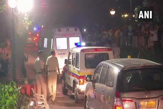 Sridevi's dead body arriving at the Lokhandwala house of the Kapoors where about a dozen police personnel and as many private security men were deployed for crowd management. Photo: ANI/Twitter
