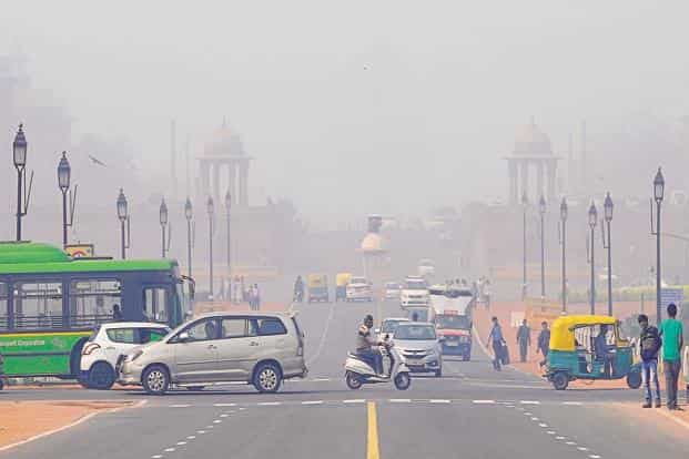 The EPCA report card emphasized that, 'current levels of air pollution are unacceptable and are a serious health issue' and 'the damage to human health because of toxins in air must not be under-estimated'. Photo: HT