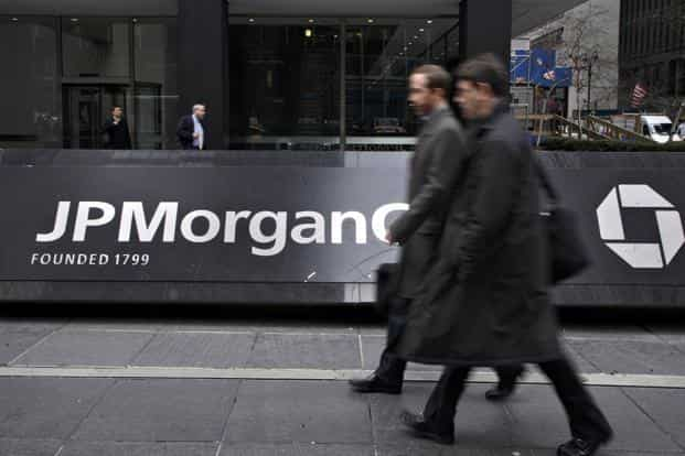 JPMorgan has stepped up hiring from local universities in the Asia-Pacific region; 40% of the class of 2018 compared with 30% a year earlier. Photo: Bloomberg