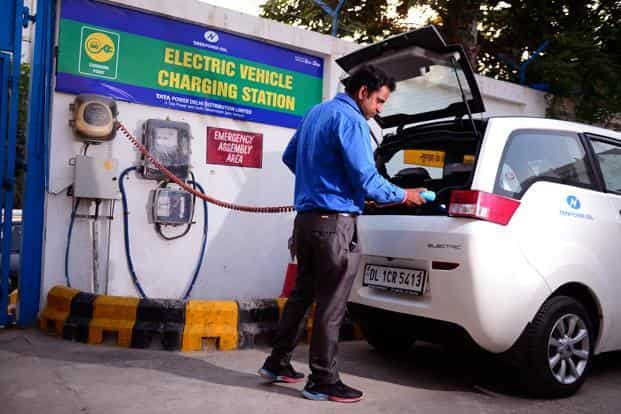 File photo. The shift to electric vehicles could also ease concerns about economic and energy security and climate change. Photo: Pradeep Gaur/Mint