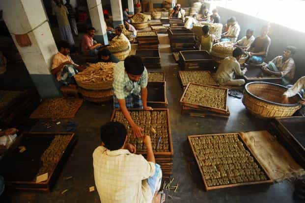 The persistence of small enterprises in India