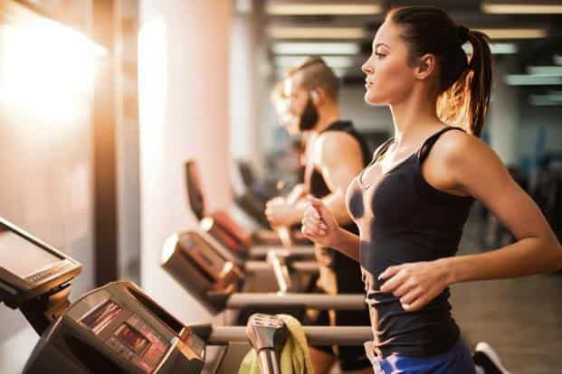 Exercise regularly in the morning. Photo: iStock