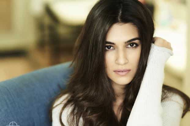Actor Kriti Sanon has a clean image with no controversies, making her appealing to a wider fan base.