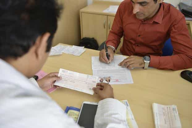 Bank fixed deposits (FDs) continue to be popular investment products not just among senior citizens, but also among investors who can't stomach risk. Photo: Mint