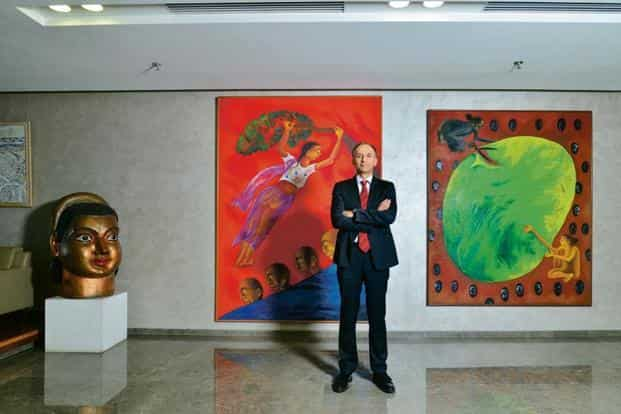 Deutsche Bank CEO Ravneet Gill in front of 'Time Image' by Arpana Caur. Photo: Aniruddha Chowdhury/Mint