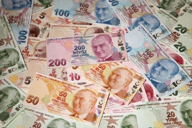 Turkey's lira slid 1.7% to around 6.4 to the dollar, a two-week low as concern grew about the effects of the country's currency crisis. Photo: Reuters