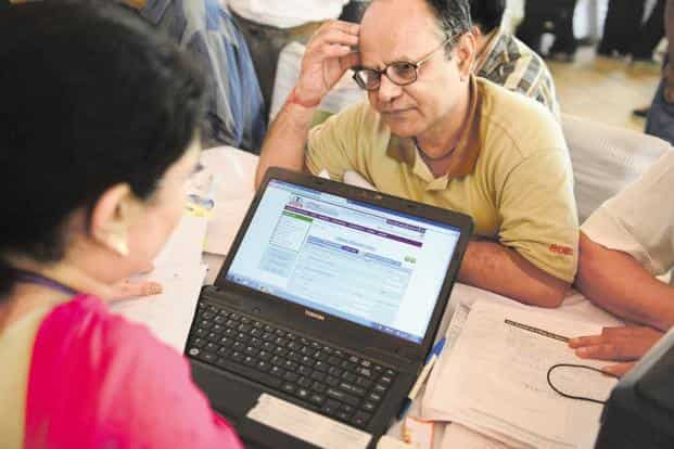 Taxpayers can file returns for 2017-18 till March 2019 with a fine. Photo: Pradeep Gaur/Mint