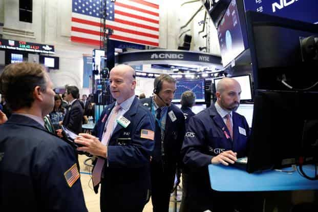 In the U.S., tech shares, which bore the brunt of the selling Wednesday, fared less badly Thursday as key benchmarks tumbled in excess of 2 percent for a second straight day. Photo: Reuters