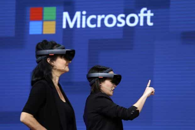 With the contract, the US Army immediately becomes one of Microsoft's most important HoloLens consumers. Photo: AFP