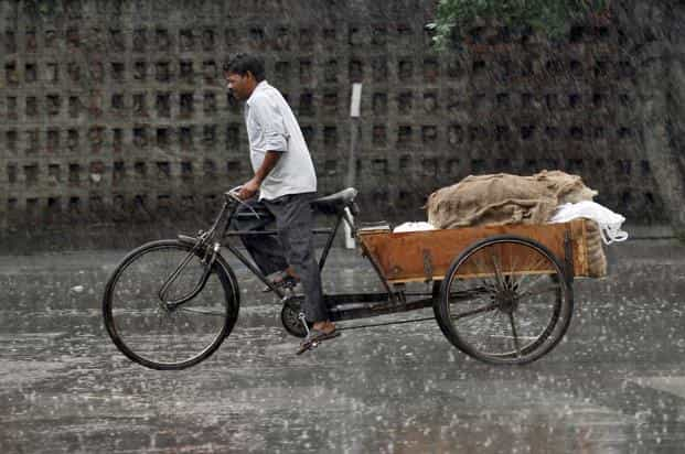 Some reports estimate there are 700,000 cycle rickshaws plying on Delhi roads. Photo: Reuters
