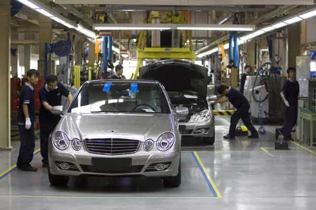 Shares of German carmakers Daimler AG and BMW AG rallied Monday morning after the US-China trade deal. Photo: Bloomberg