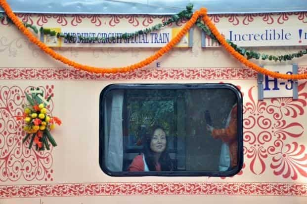The first AC coaches, besides comfortable spacious cabins and coupes, have been fitted in-room amenities like individual lockers inside fixed ladders for tourists. Photo: Twitter/@IRCTC