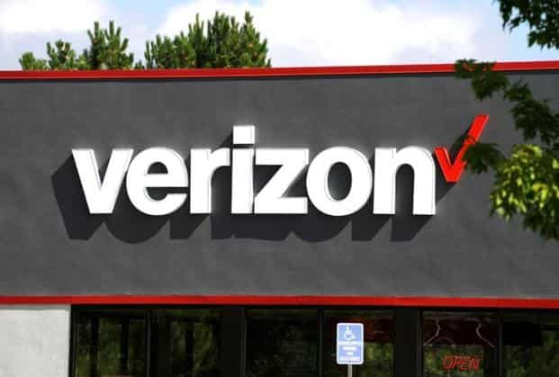Verizon to give buyouts to 10,400 employees in restructuring