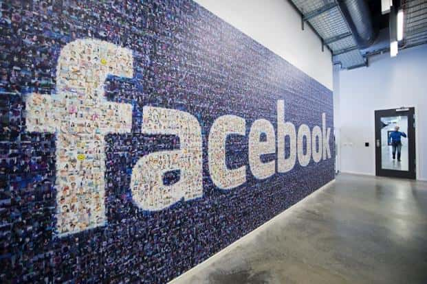 Social media sources, of which Facebook is the largest, accounted for about 43% of the traffic to the Parse.ly network of media sites, while Google Search accounted for just 38%, as of July 2015. Photo: AFP
